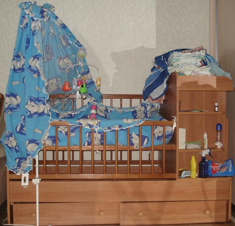 Детская кроватка с пеленальным